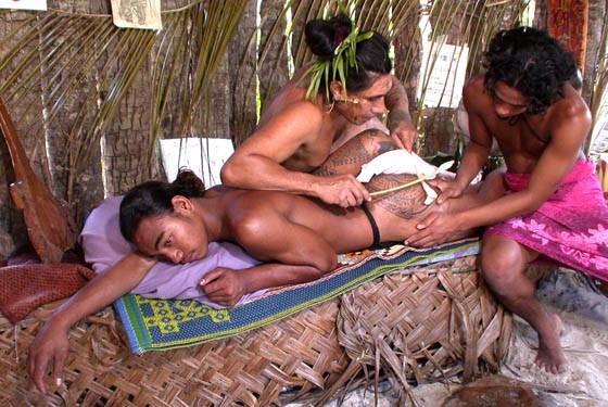 Полинезийская татуировка на Бора-Бора