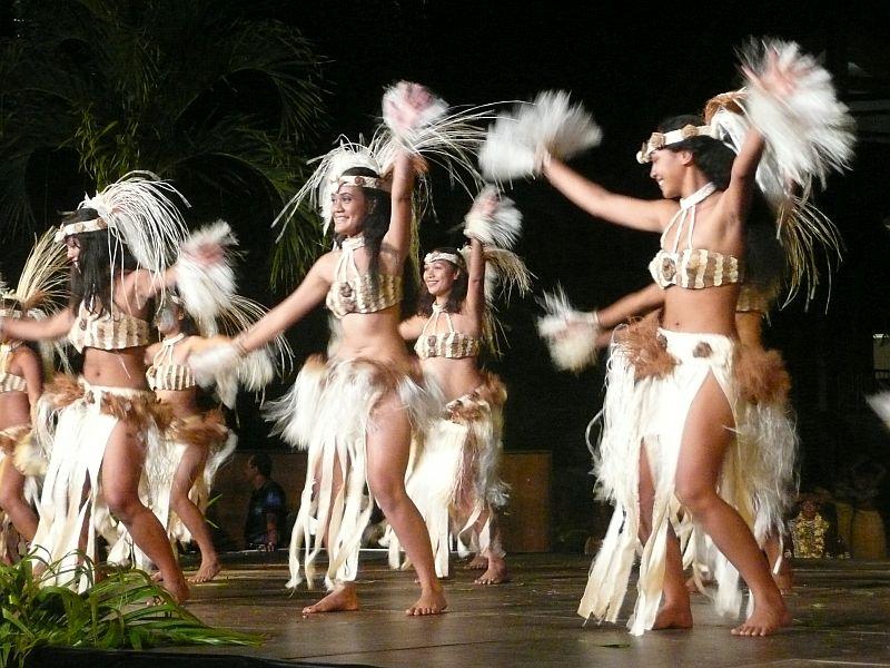Фестиваль полинезийского танца в июле - Heiva-Tahiti