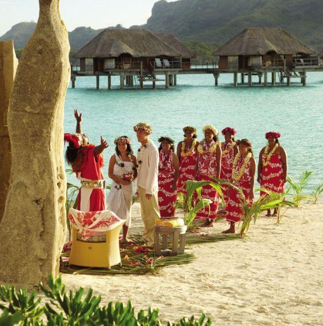 Обряд традиционной полинезийской свадьбы на Бора-Бора