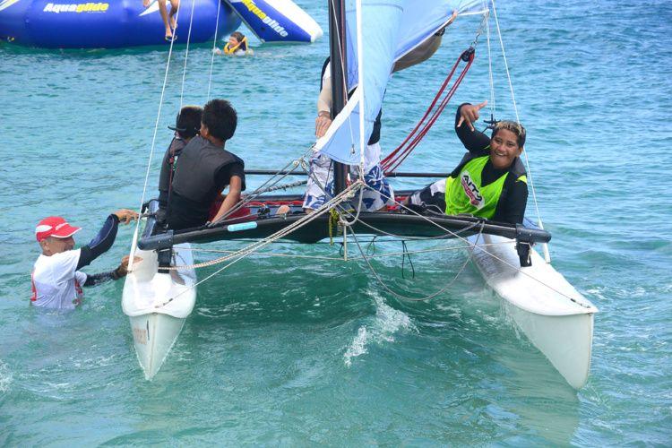 Водный этап фестиваля Raiatea Gliss во Французской Полинезии