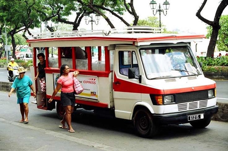 Автобус на Таити.